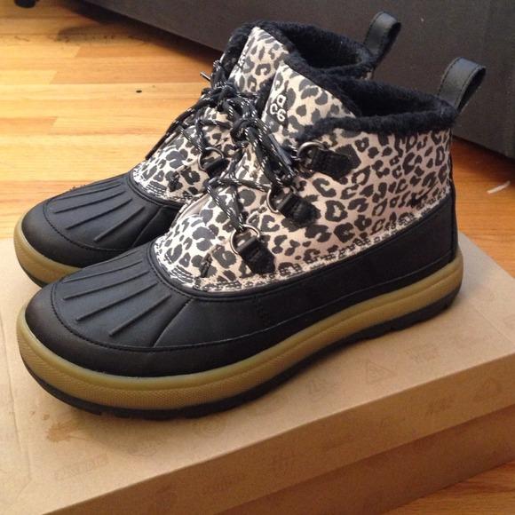 Nike ACG chukka boot women's 8 cheetah