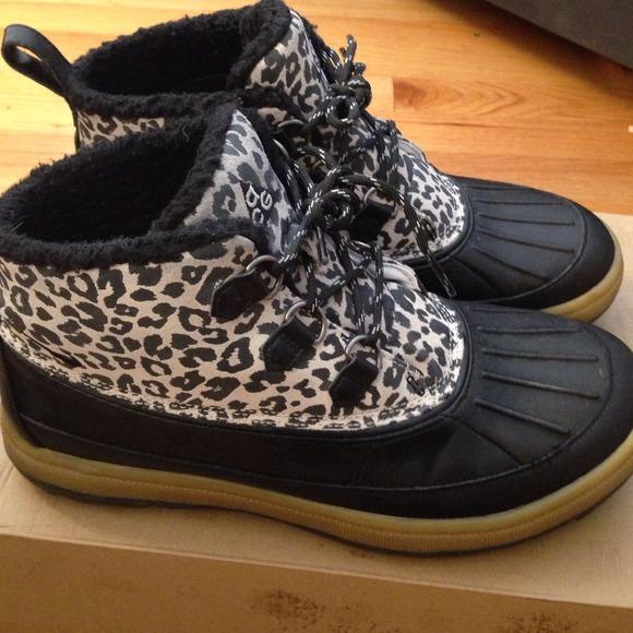 acg womens boots