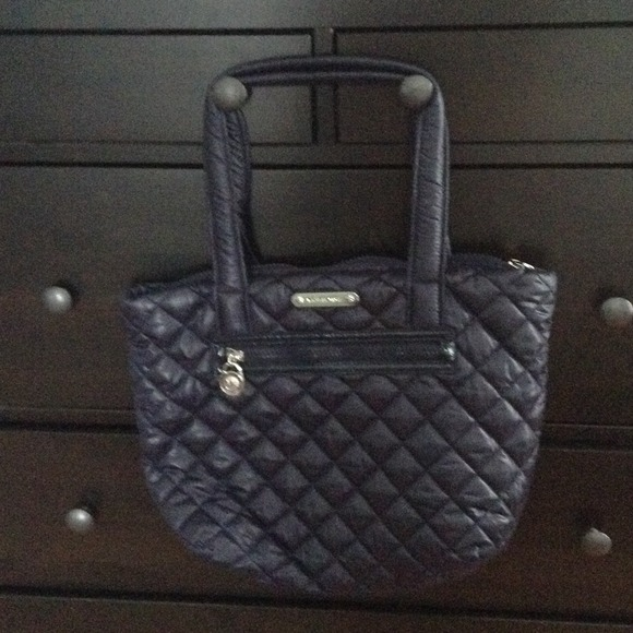 a7a17377e79 Michael kors Sadie quilted nylon large tote 🎉sale.  M 52efb769fab836189a003878