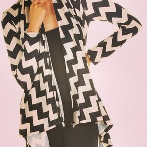 Sweaters - Chevron print sweater cardigan jacket size large
