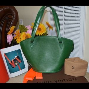 % Authentic Louis Vuitton Epi St. Jaq green