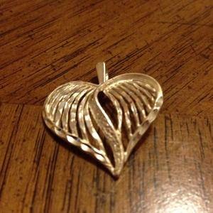 Jewelry - Heart sterling silver pendant reduce