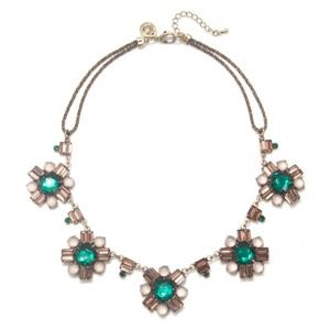 Jewelry - Emerald Flower Necklace