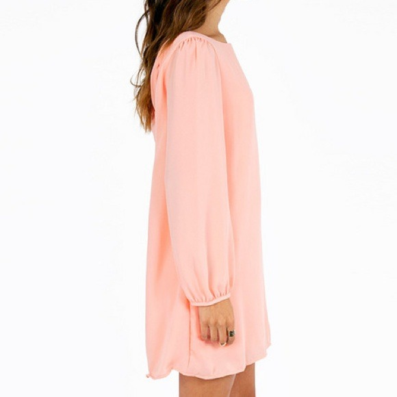 Dresses - Chic Blush Dress