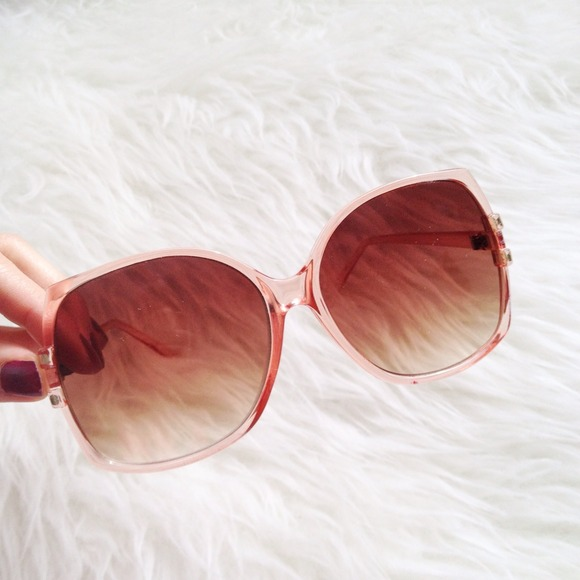 Accessories - 🎉🎉 Peachy shades 2