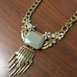 PM EDITOR PICK STATEMENT STONE FRINGE NECKLACE