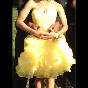 Dresses & Skirts - Short prom dress!