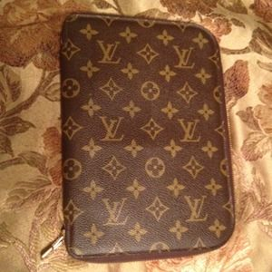Louis Vuitton Accessories - HOLD-Authentic Louis Vuitton Zippy Organizer