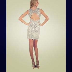 🎉HOST PICK!🎉 Badgley Mischka silver sequin dress