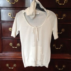 Short sleeve cream color knit top