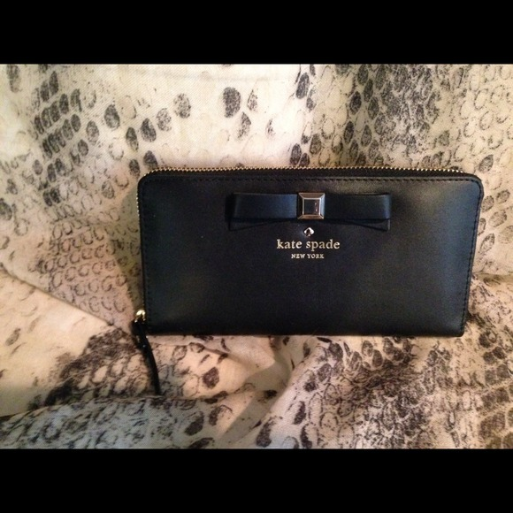 4c864db4fdfb kate spade Bags | Sold Holly Street Lacey Wallet | Poshmark