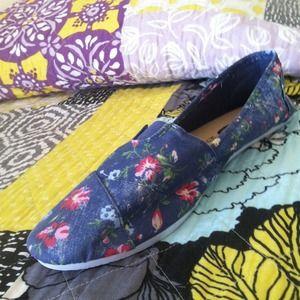 Super cute brand new Rue 21 shoes!