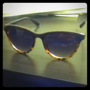 ⬇️reduced price!! Black and cheetah sunglasses!!