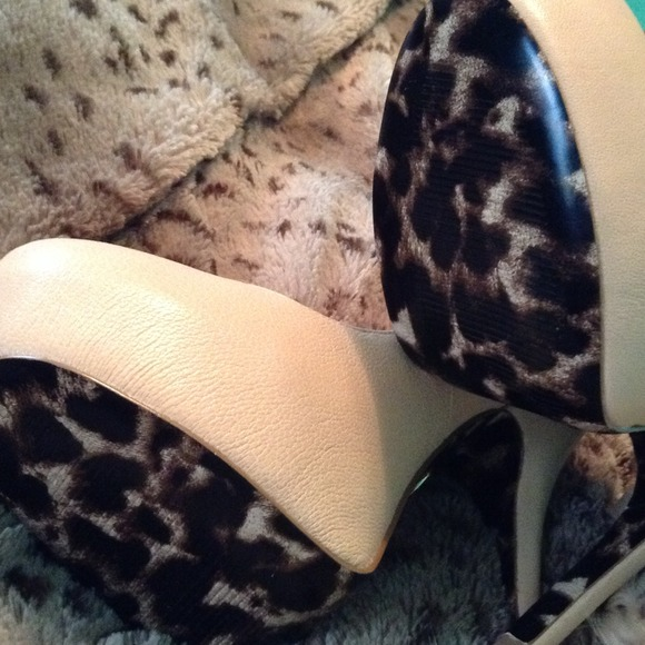 Betsey Johnson Shoes - 💢REDUCED💢NWOT BETSEY JOHNSON NUDE LEATHER HEELS 2