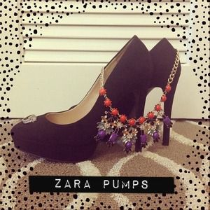 Black chic Zara pumps