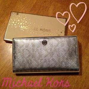 New Michael Kors metallic silver wallet
