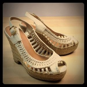 """Shoes - ✨REDUCED✨White Leather platform wedge sandals 4.5"""""""