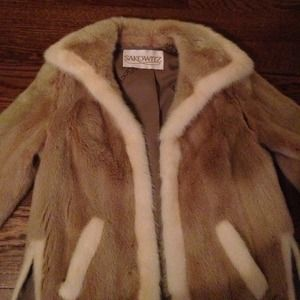 Ladies vintage!   Emilio Gucci mink fox fur