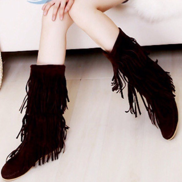 Shoes - Black fringe boots