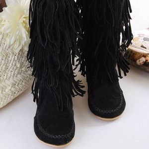 Shoes - Black fringe boots 2