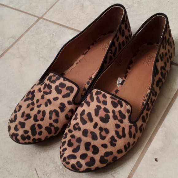 Shoes - Mossimo leopard ballet loafer flats 8.5