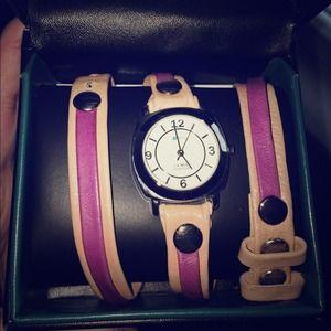 Jewelry - La Mer wraparound two-color watch