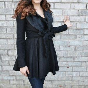 Jackets & Blazers - Black Faux Fur Collar Coat