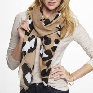 EXPRESS LEOPARD FACE SQUARE SCARF - CAMEL