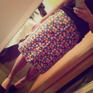Calvin Klein silk floral knee length skirt