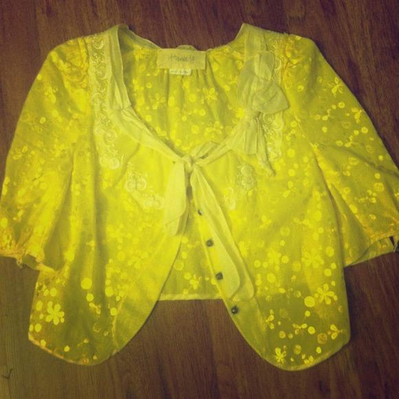 Hanii Y Tops - REDUCED:: Hanii Y floral embroidered sh/sl jacket.