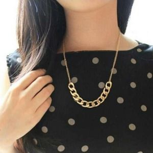 Chunky half chained necklace