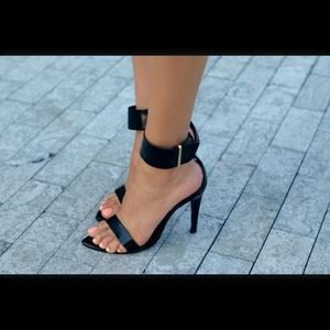 Zara Shoes - 💝SOLD💝 Zara ankle strap sandal