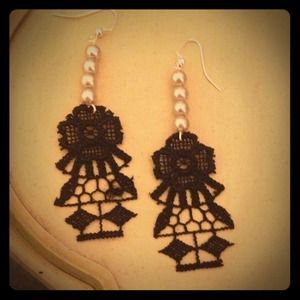 handmade  Jewelry - TheJean: Handmade lace earrings:)