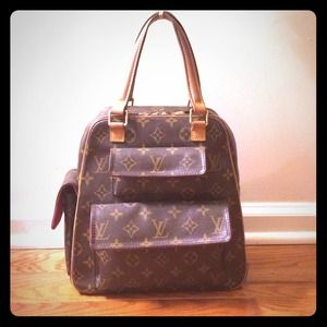 Authentic Vintage Louis Vuitton Bag!!