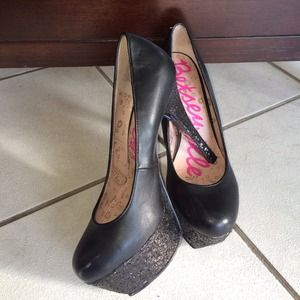 Betsey Johnson black heels