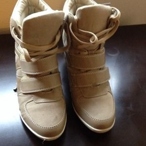 Shoes - Wedge sneakers size 7