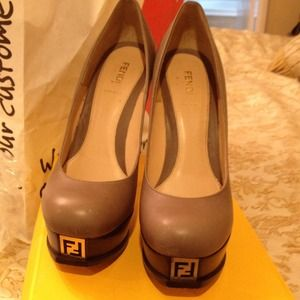 Fendi platforms size 40 etaupe color