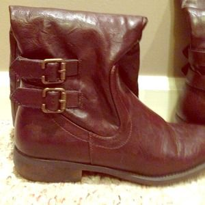 White Mountain Cherry Red Boots