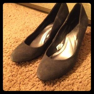 Grey suede wedge pumps!