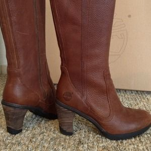 Timberland brown pebbled leather boots with zipper
