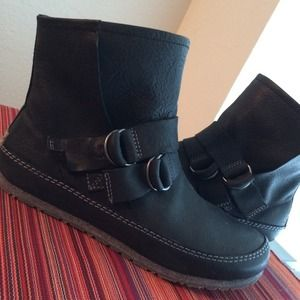 Sorel Boots - Sorel Yaquina black leather ankle boot