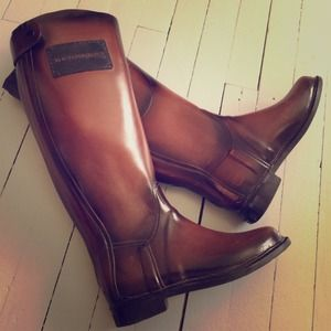 75% off Burberry Boots - 💥SALE today💥Authentic Burberry Rain ...