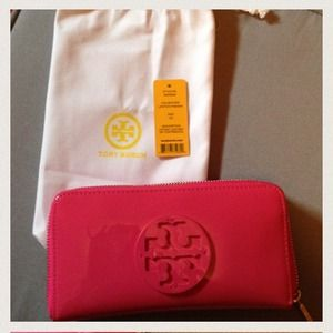 100%Authentic TORY BURCH WALLET