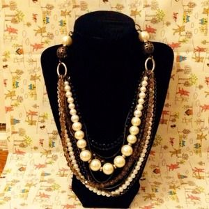 Pearlized/Beaded/Chains Necklace