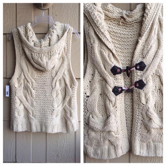 Free People - 🎀🎉HP❗️Free People Chunky Cable Knit Sweater Vest ...