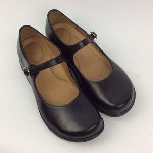 d6b81091228e Dansko Shoes - Dansko size 38 black leather Mary Jane shoes EUC
