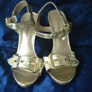delicious Shoes - Gold buckle shoes