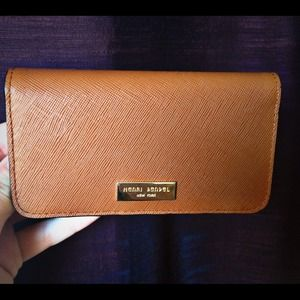 Henri Bendel  Clutches & Wallets - Henri Bendel iPhone wallet NWOT