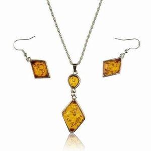 Jewelry - Fashion plastic ambar set