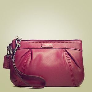 NEW Authentic Coach Pleated Leather Wristlet